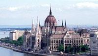 Ταξίδι στη Βουδαπέστη, Κοινοβούλιο